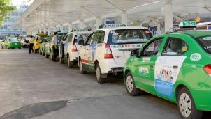 """Taxi truyền thống đứng trước nguy cơ bị """"khai tử"""""""