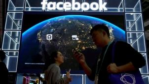 Facebook phát cho nhân viên 1.000 USD sắm thiết bị để làm việc từ xa