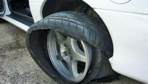 Lái xe an toàn: Những dấu hiệu cần phải thay lốp ô tô để an toàn trên mỗi chuyến đi