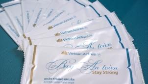 Vietnam Airlines bổ sung thêm khăn kháng khuẩn phục vụ hành khách
